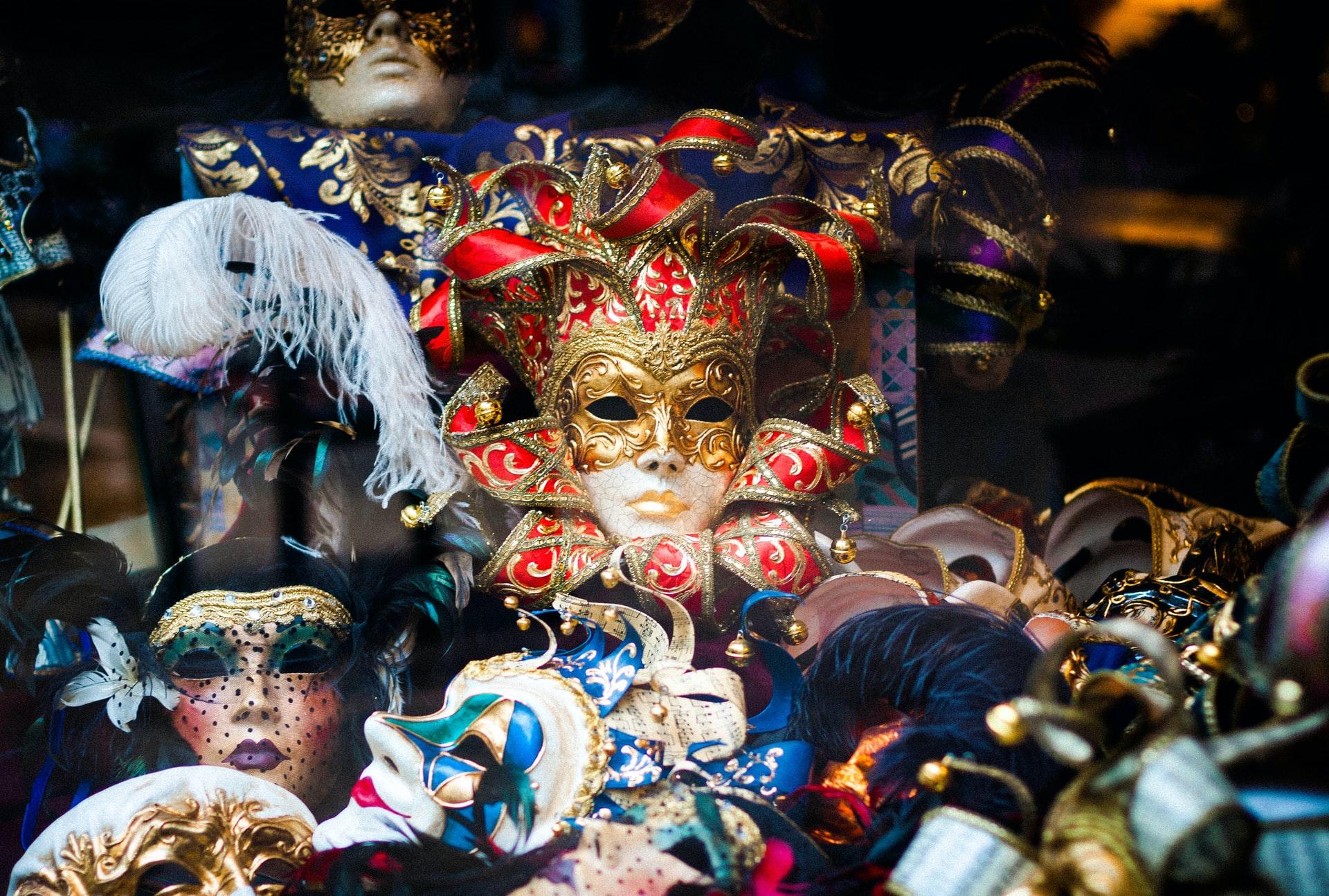 types of venetian masks